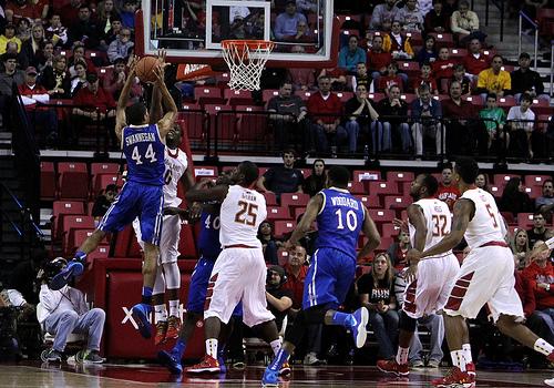 この画像は、サイトの記事「バスケ テクニック ディフェンス YouTube 無料視聴 動画 お探しの方におすすめ!」のイメージ写真画像として利用しています。