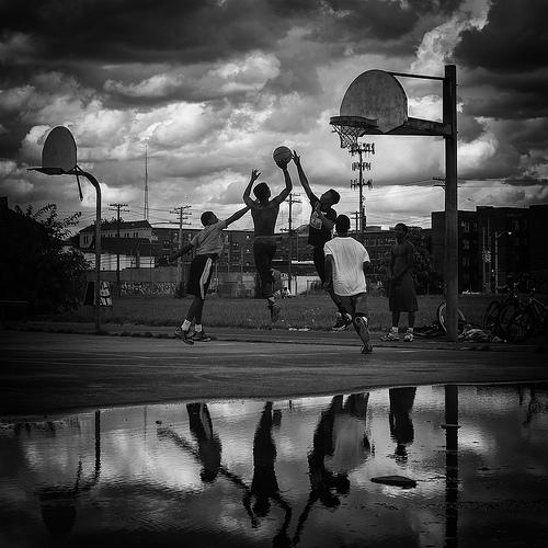 この画像は、サイトの記事「バスケ テクニック ストリート YouTube 無料視聴 動画 お探しの方におすすめ!」のイメージ写真画像として利用しています。