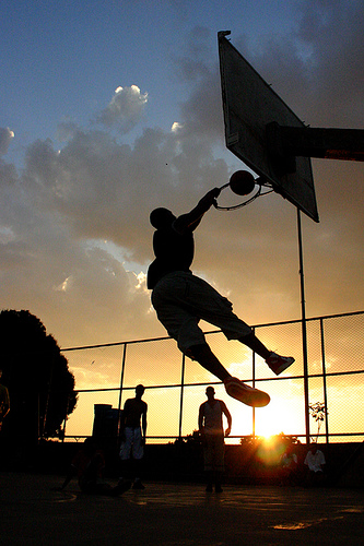 この画像は、サイトの記事「バスケ 高校 ダンク YouTube 無料視聴 動画 お探しの方におすすめ!」のイメージ写真画像として利用しています。
