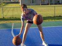 この画像は、サイトの記事「バスケ ドリブル 練習方法 YouTube 無料視聴 動画 お探しの方におすすめ!」のイメージ写真画像として利用しています。
