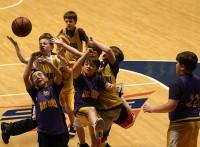 この画像は、サイトの記事「小学生のバスケ ミニバス 練習方法 おすすめ YouTube視聴無料動画 まとめてご紹介!」のイメージ写真画像として利用しています。